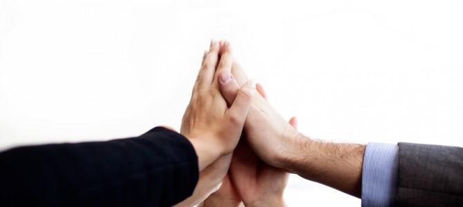 POMÁHÁNÍ DRUHÝM – 8. vlastnost lídrů